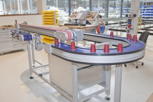 The NEW Curved Modular Belt Conveyor and Vacuum Conveyor from Robotunits.